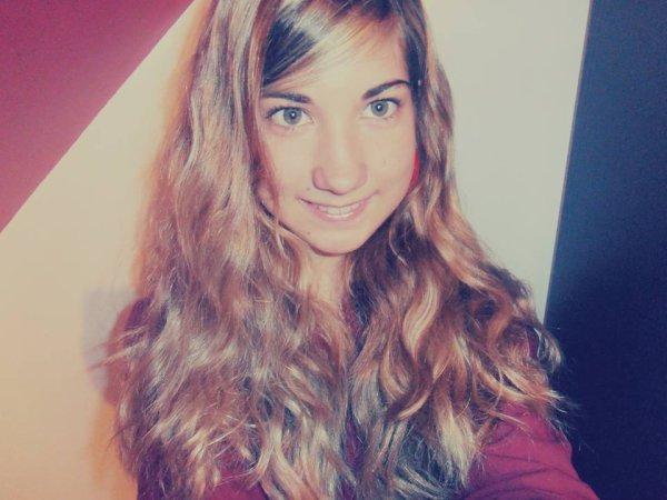 Il était une fois une fille amoureuse, peut être un peu trop rêveuse ..♥