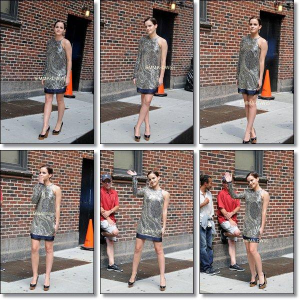 11/07/2011:Emma c'est rendu au studio de l'émission américaine:The Late Show with Letterman.J'adore sa robe et vous ?