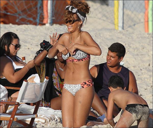 .  *19 septembre* '-' Rihanna été aperçue à la plage de « Ipanema » à Rio de Janeiro ! Rihanna a annoncé sur son Twitter qu'elle avait changé le logo « R » car ce nouvel album marque un changement d'ère..