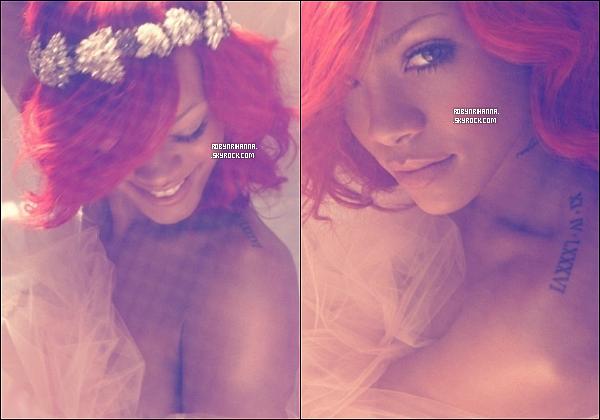 . • Découvrez deux nouvelles photos issue du photoshoot de l'album « Loud ». T'aimes ?  .