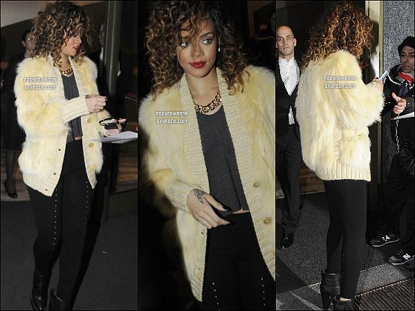 """.  12/12 - Rih a été vue se rendant à une afterparty dans une boutique """"Armani"""" à Milan. Et comme vous avez pû le remarquer, la belle est redevenue brune ! Tu la préferes maintenant ou quand elle était blonde platine ?."""