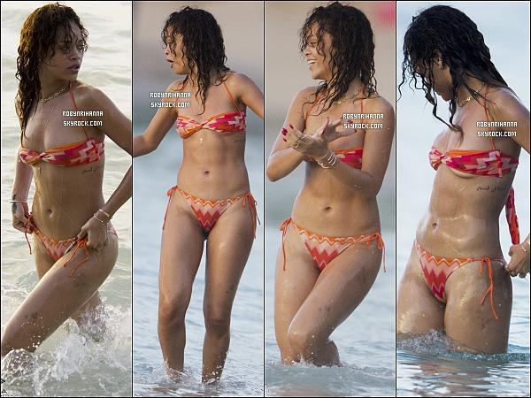 """.  27/12/11 - Rihanna accompagné de ses deux frères a été aperçue s'amusant à la plage en Barbade ! + La belle  a annoncé que son prochain single sera soit """"Talk That Talk"""" ou """"Where Have You Been"""" ! Toi, lequel préférerais-tu ?  ."""