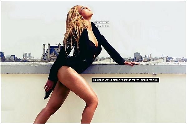 . ●' FÉLICITATIONS A LA SUPERBE BEYONCE ET A SON MARI JAY-Z !  Rihanna a tenu à féliciter le couple Jay-Z et Beyoncé pour la naissance de leur petite fille, Ivy Blue Carter sur Twitter..