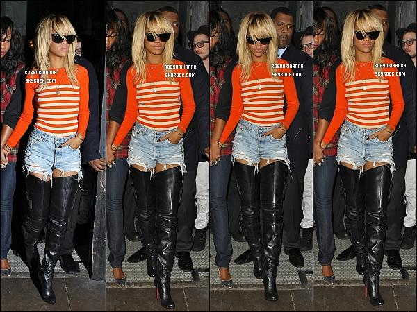 """* 02/02/2012':' Rihanna a été aperçue tard dans la nuit quittant le club """"Roxbury"""" à Los Angeles.   *"""