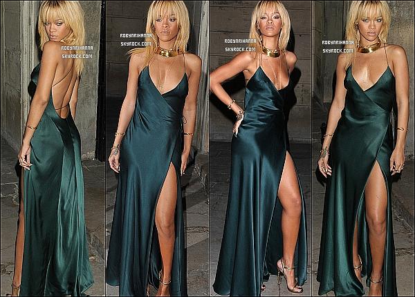 * 18/02/2012':' Rih était au défilé organisée par Stella McCartney dans le cadre de la FashionWeek londonienne.  Elle est arrivée dans une magnifique robe et a posé avec plusieurs personnalités à l'intérieur du batiment très huppé,  « One Mayfair » .. *