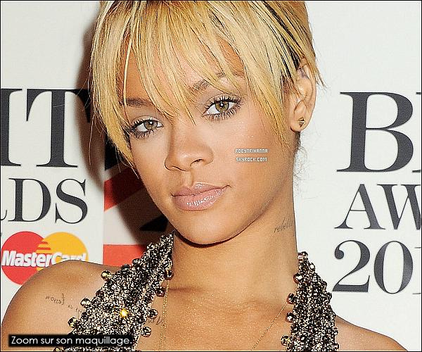 """* 21/02/2012':' La magnifique Rihanna était présente à la cérémonie des """"Brit Awards"""" 2012, à Londres. Elle fait une superbe performance sur """"We Found Love"""" et a remporté l'award de l' """"Artiste Féminine Internationale"""", qu'elle méritait tant !  *"""