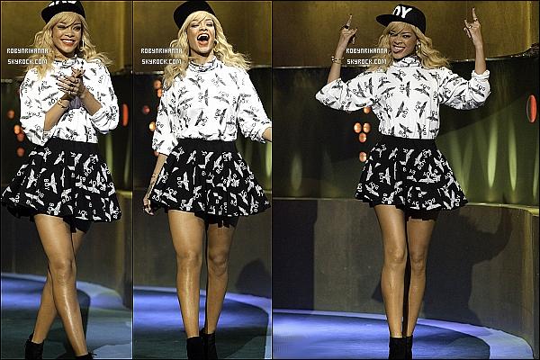 """* 03/03/2012':' Découvrez les photos de la belle Rihanna à l'émission """"Jonathan Ross show"""", à Londres.  Pour l'instant aucunes vidéos n'est disponible, ni de sa performance, ni de son interview... Espérons en avoir plusieurs très rapidement !  *"""