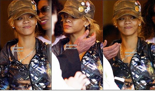 * 06/03/2012':' Riri et des amis se promenait dans les rues de Westwood, un quartier de Los Angeles.   *