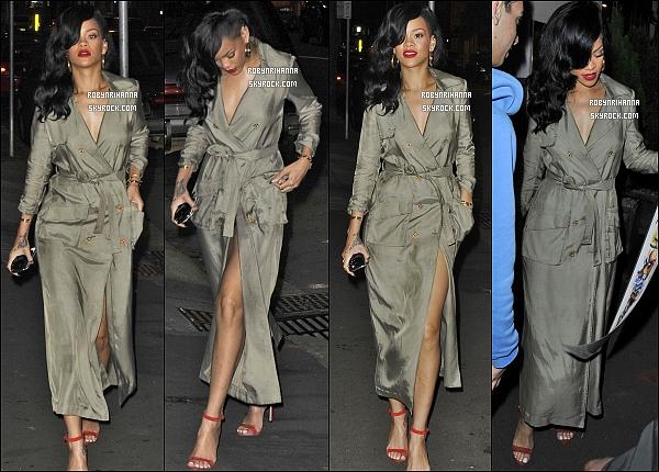 * 10 avril 2012':' La belle Rihanna a été photographiée dans les rues de Sydney en Australie.  *