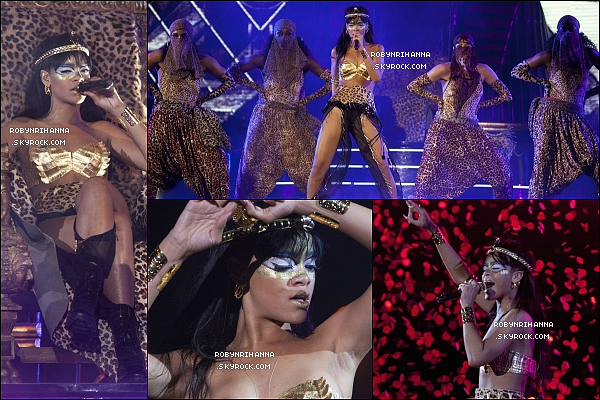 * 14 mai 2012':'La ravissante Rihanna était présente à l'évènement caritatif « Robin Hood » à New York. Les bénéfices récoltés par notre généreuse Rihanna ont été à aux fondations qui aide les personnes en difficultés financières dans la ville. *