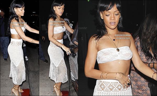 . 17.05.12* :*Rihanna et sa meilleure amie Mélissa ont été dîner au restaurant « Giorgio Baldi » à Los Angeles.Juste après, elle est allée faire la fête au club « Roxbury » à Los Angeles, et a même animé la soirée en chantant et dansant. .