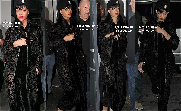 . 20.05.12*: *Rihanna, tout de noir vêtue, a été en soirée dans un club londonnien, le « Boujis ». Top ou flop ?Dans l'après-midi, notre magnifique Barbadienne était à un héliport pour se rendre à l'O2 Arena. Top ou bien flop sa tenue ? .