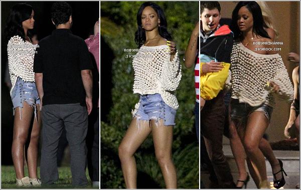 . 31/05.:.Rih se trouve sur le tournage du film « The End Of The World » à la Nouvelle-Orléans cette semaine !+ Découvrez une vidéo de notre très jolie Rihanna dans les coulisses du photoshoot pour la marque de boisson « Vita Coco ».  .