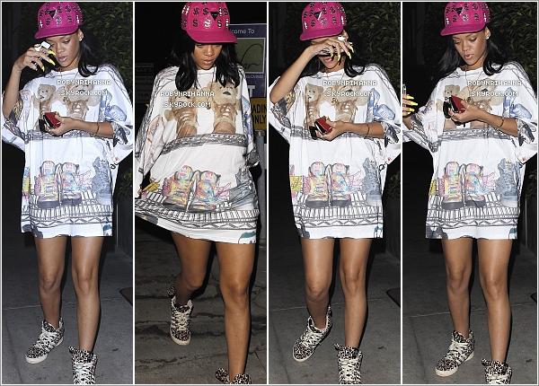 """. 03.06.12"""" : """"Dans la soirée, Rihanna s'est rendue au restaurant « Giorgio Baldi » à Los Angeles. *Top ou flop ?Ensuite, elle est allée se changer chez elle pour après se rendre à la boîte de nuit « Greystone Manor », aussi à Los Angeles. ."""
