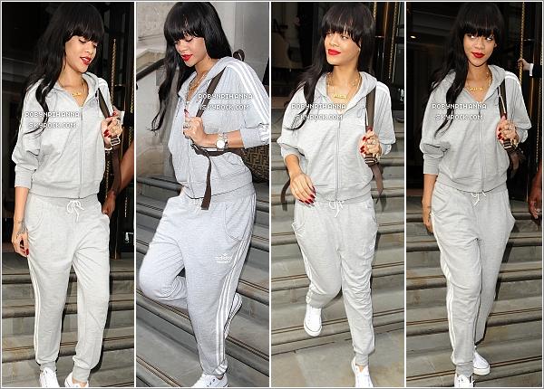 """. 25.06.12"""" : """"Rihanna, à Londres, s'est rendu aux répétitions de ses prochains festivals où elle sera présente.Le lendemain, la belle a une fois de plus été aperçue quittant son hôtel pour sans doute également aller à des répétitions.  ."""
