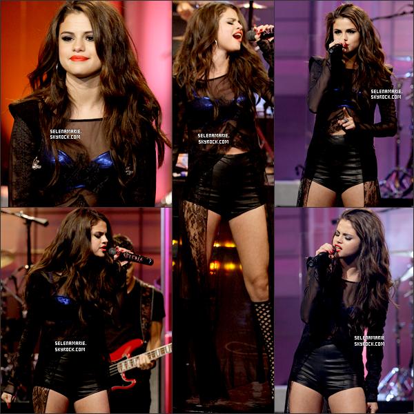 . 23/07/13 ▬ sel était sur le plateau du The Tonight Show with Jay Leno pour promouvoir son nouvel album..