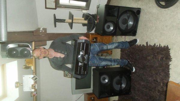 Mini chaine hifi SONY SHAKE 5, un monstre 2500 watts rms 26500 watts musicaux