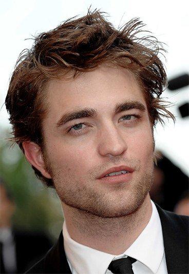Robert Pattinson aime les filles hot : Kristen Stewart va (encore) être jalouse !