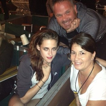 "Kristen assiste à un concert ""Florence and The Machine"" avec son père"