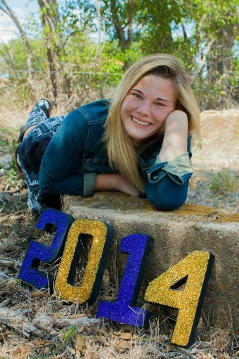Some of my Senior Pictures!!!(: