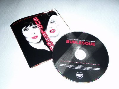 Burlesque: le CD se montre