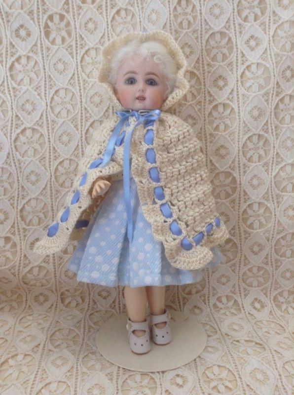 cape au crochet pour bleuette