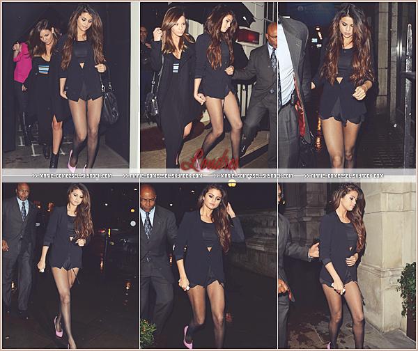 . Samedi 15 Février....Selena a été vu arrivant puis quittant l'aéroport en compagnie de Samantha Droke.