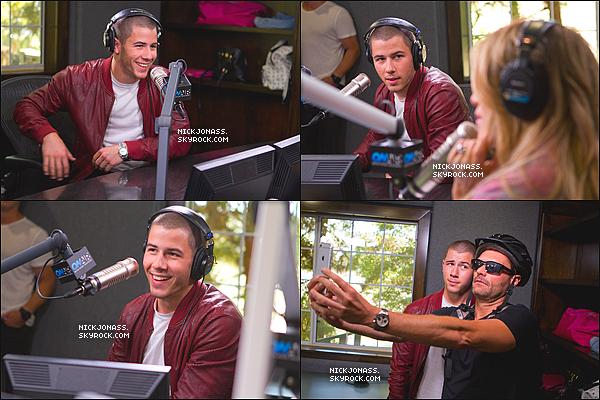 """Le 21 août, Nick était présent au studio du programme radio """"On Air with Ryan Seacrest"""" à Los Angeles, en Californie. + Le 21 août également, Il était présent à la radio Disney. + Découvrez dés a présent le nouveau single de Nick Jonas """"Levels"""". + Voici un nouveau photoshoot pour Billboard réalisé par Olivia Malone."""