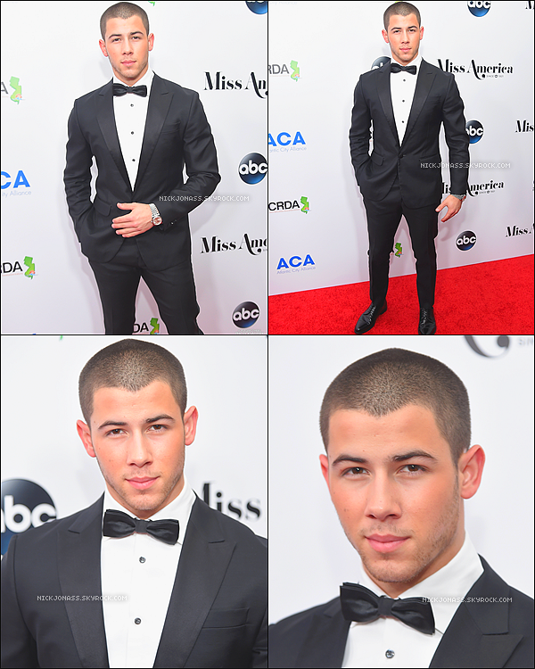 Le 13 septembre, Nick était présent sur le tapis rouge en attente de Miss America Competition au Boardwalk Hall Arena à Atlantic City, New Jersey.