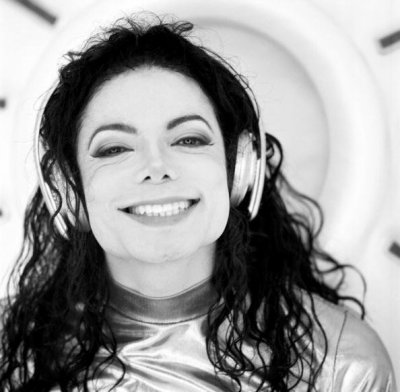 HAPPY BIRTHDAY MICHAEL <3