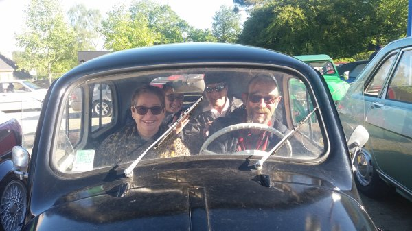 vieilles  voitures  a  Branderion