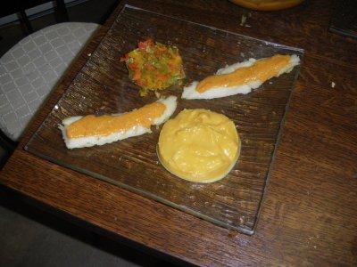 Filet de lieua la sauce provencale, compoté de poivron, puree de patate douce