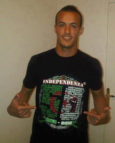 Vive l'Algérie indépendante.