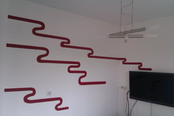 decor lignes rouge