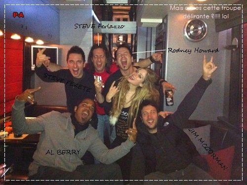 avril & sa troupe :)
