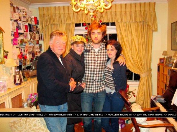 """14/12/10 : Kristen passe noël chez robert et première image de """" Bel Ami """""""