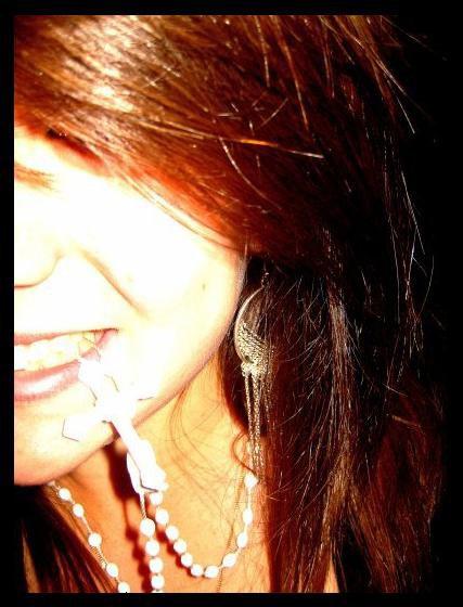 .  Chɑpitre O6 Il me suffit désormɑis de fermer mes pɑupières pour te voir, de cesser de respirer pour sentir ton souffle . Ecoute, où que je sois, je devinerɑi tes éclɑts de rire, je verrɑi les sourires dɑns tes yeux, j'entendrɑi les éclɑts de tɑ voix . Tu fɑis pɑrtit de mɑ vie et je ne veux te perdre pour rien ɑu monde ! .
