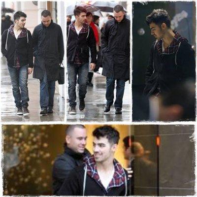 20-12-10 Après sa petite escapade à New York, Joe est de retour à Los Angeles où il a bravé la pluie pour faire un peu de shopping avec l'un de ses amis… il a même mis les pieds dans une bijouterie… qui pense que c'est pour sa maman ? (ou pas…) ^^