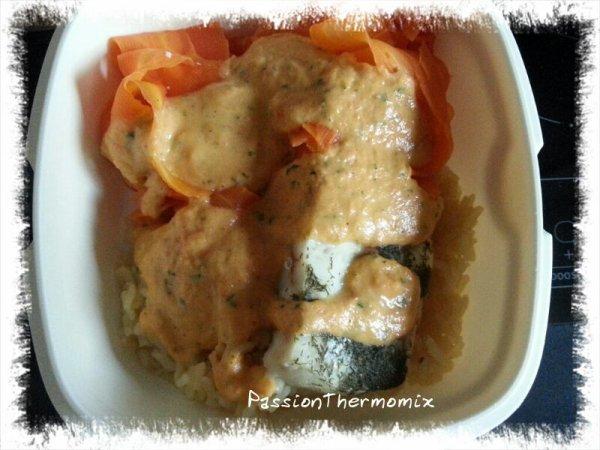 Colin, tagliatelles de carottes et riz, sauce carottes