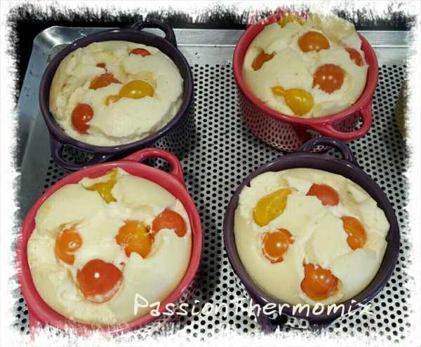 Clafoutis de tomates cerise à la vache qui rit