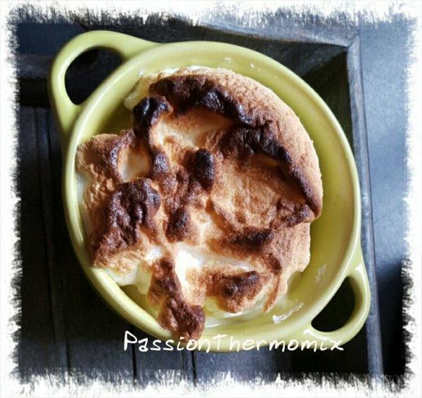 Mousse de pomme, meringuée