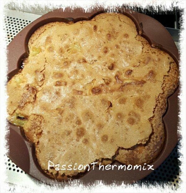 Gâteau crousti-moelleux à la rhubarbe