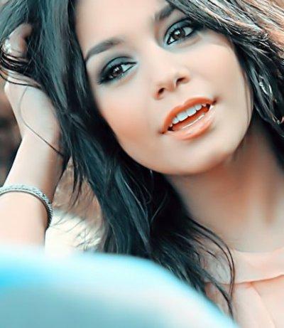 Ashley Tisdale : Look sexy à la station essence ; Vanessa Hudgens : A l'évènement Calvin Klein à Cannes ; Zac Efron : Il parle de sa carrière ; Monique Coleman - Sa carte d'identité