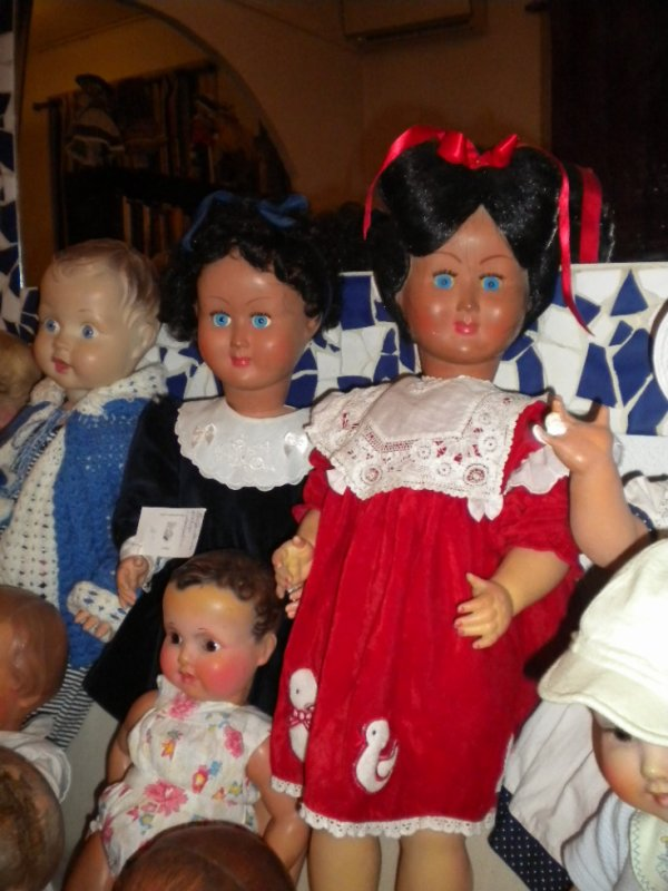 mes deux poupées MONEL