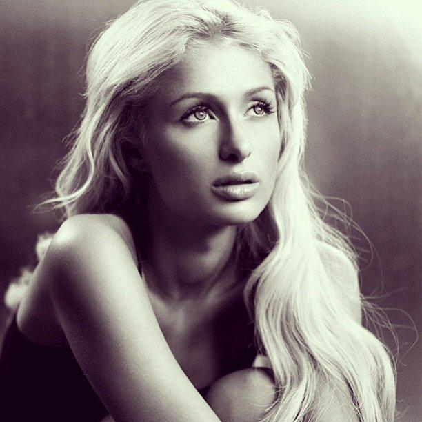 Votre source sur la sublime Paris Hilton.