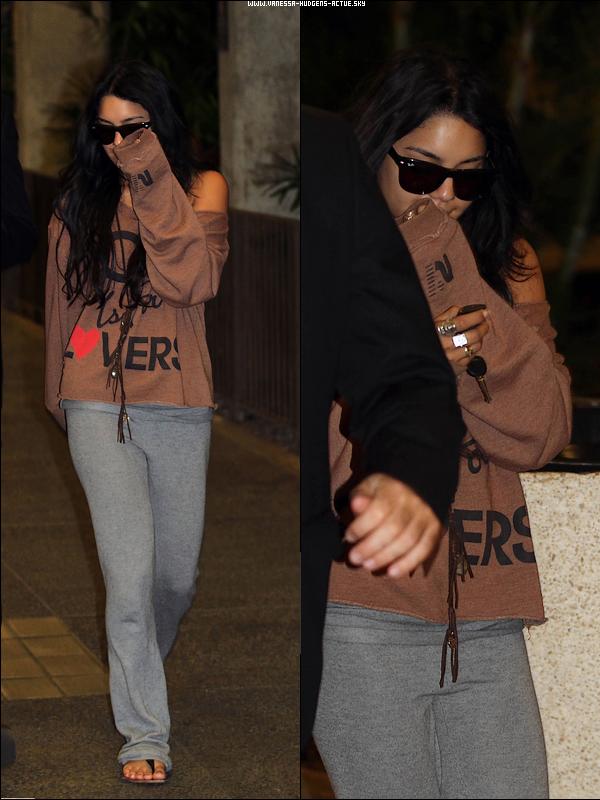15/11/10 : Vanessa arrivant a Hawaii