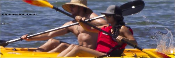 25/08/10 : Vanessa Hudgens et Zac Efon fesant du KAYAK a Hawaii