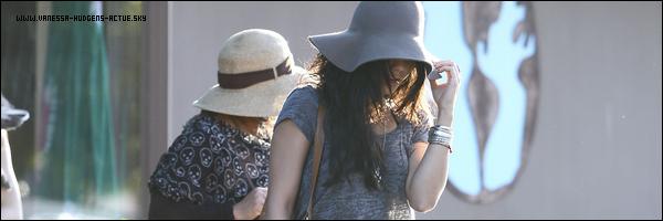 12/09/10 : Vanessa fesant du shopping avec Stella et sa mère