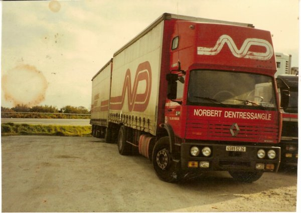 Les Renault G . ND
