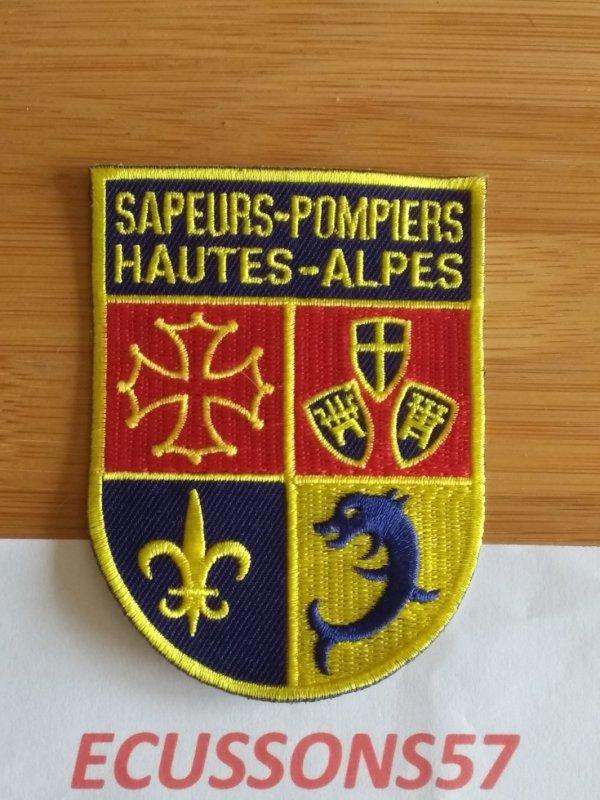ÉCUSSON DES SAPEURS POMPIERS  DES HAUTES ALPES (05)